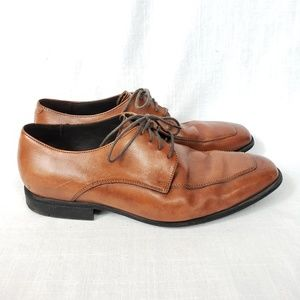 Light leather lace-up oxford